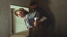 Проказник добивается интима с Мариной Влади
