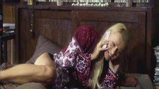2. Голая грудь Анны Лутцевой – Формат А4