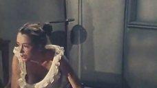 Сексуальная Марина Неелова в ночнушке