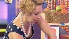 Татьяна Лазарева засветила грудь