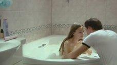 1. Совместная ванна с Дашей Чарушей – Захватчики