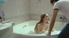 4. Совместная ванна с Дашей Чарушей – Захватчики
