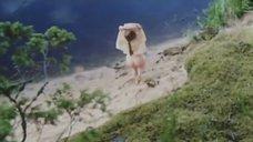 2. Обнаженная Полина Сыркина купается в озере – Кадет
