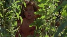 Голая Ирина Розанова хлестает себя крапивой