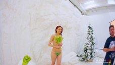 2. Сексуальная Маруся Климова в фотосессии для журнала Maxim
