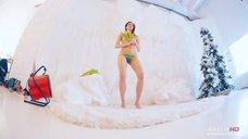 6. Сексуальная Маруся Климова в фотосессии для журнала Maxim