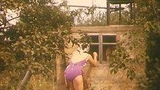 Клара Лучко в купальнике
