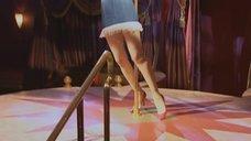 1. Наталья Орейро танцует возле шеста – В ритме танго