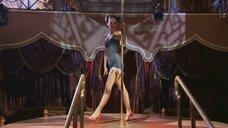 9. Наталья Орейро танцует возле шеста – В ритме танго