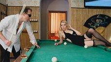 5. Обворожительная блондинка на бильярдном столе – Дело чести