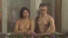 Елена Полякова топлесс на балконе