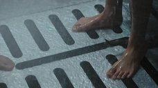 11. Интимная сцена с Калли Эрнандес в душевой – Чужой: Завет