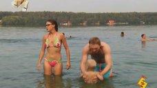 Евгения Крегжде в купальнике