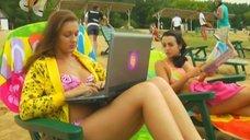 Анжелика Каширина и Евгения Крегжде отдыхают на пляже