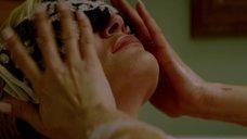 1. Наташе Хенстридж мастурбируют в ванне – Черная комната