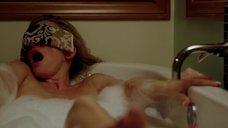 12. Наташе Хенстридж мастурбируют в ванне – Черная комната