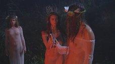 Голая Анна Ковальчук в дьявольском ритуале среди голых девушек
