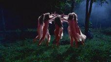 2. Голая Анна Ковальчук в дьявольском ритуале среди голых девушек – Мастер и Маргарита