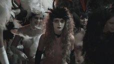 10. Сексуальная Анна Ковальчук принимает бал сатаны – Мастер и Маргарита