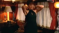 1. Сексуальная Камилла Пауэр в белье – Бес в ребро