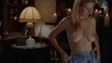 1. Полностью голой Сьюзэн Фитерли делают массаж – Пробуждение Габриэллы