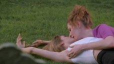 1. Лесбийский секс Сьюзэн Фитерли и Анны Каминской – Пробуждение Габриэллы
