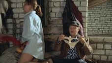 3. Екатерина Редникова в рубашке без белья – Стерва (2009)