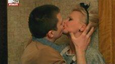 2. Интимная сцена с Евгенией Осиповой – Большие надежды (2011)