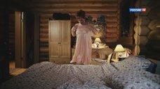 Сексуальная Ольга Чудакова в ночнушке