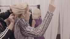 12. Раздетая Леди Гага в гримерке – Гага: 155 см