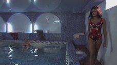 Секси Анна Литкенс в купальнике