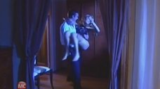 5. Алену Биккулова в трусиках несут на руках – Бандитский Петербург 10: Расплата