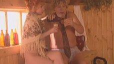 Сексуальная Ирина Григорьева в платке