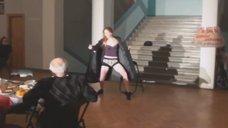Танец сексуальной Татьяны Рыбинец на капустнике к 23-му февраля в «МТЮЗе»
