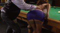 Сексуальное обучение Сары Окс игре в бильярд