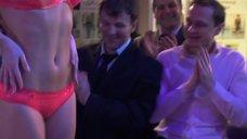 10. Стройные Сара Окс и Ирина Темичева на презентации бикини – Счастливый конец