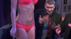 Стройные Сара Окс и Ирина Темичева на презентации бикини
