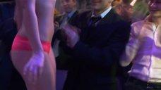 9. Стройные Сара Окс и Ирина Темичева на презентации бикини – Счастливый конец