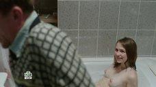 2. Голая грудь Яны Енжаевой – Бесстыдники (Россия)