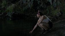 2. Мокрая секси Ханна Монсон – Сбой