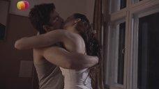 Интимная сцена с Еленой Лагутой