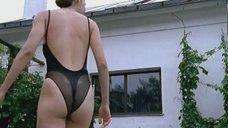 Сексуальная Наталия Антонова в купальнике