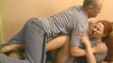 Сексуальная Агриппина Стеклова В Чулках – Бедные Родственники (2012)