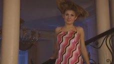 Анна Цуканова без лифчика