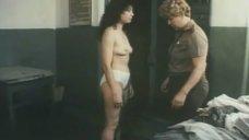 Обнаженная Венера Нигматуллина на досмотре в тюрьме