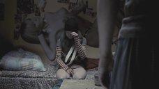 4. Мария Шалаева снимает штаны – Русалка