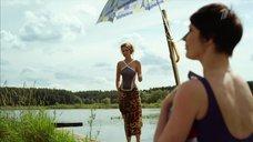 3. Александра Флоринская и Ирина Сидорова в купальниках – Бабий бунт, или Война в Новоселково