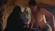 3. Голая грудь Ланы Паули – Богиня прайм-тайма