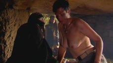 4. Голая грудь Ланы Паули – Богиня прайм-тайма