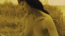7. Обнаженная Дарья Мороз играет на музыкальном инструменте – Нанкинский пейзаж